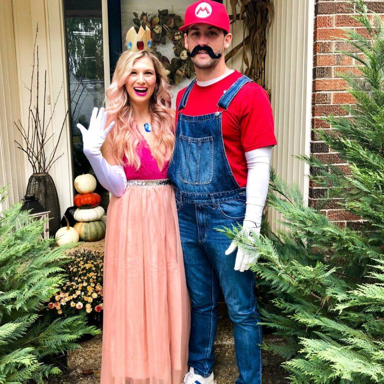 Halloween Costume Ideas Couple Princess Peach DIY Tulle Skirt Mario Couple Overalls